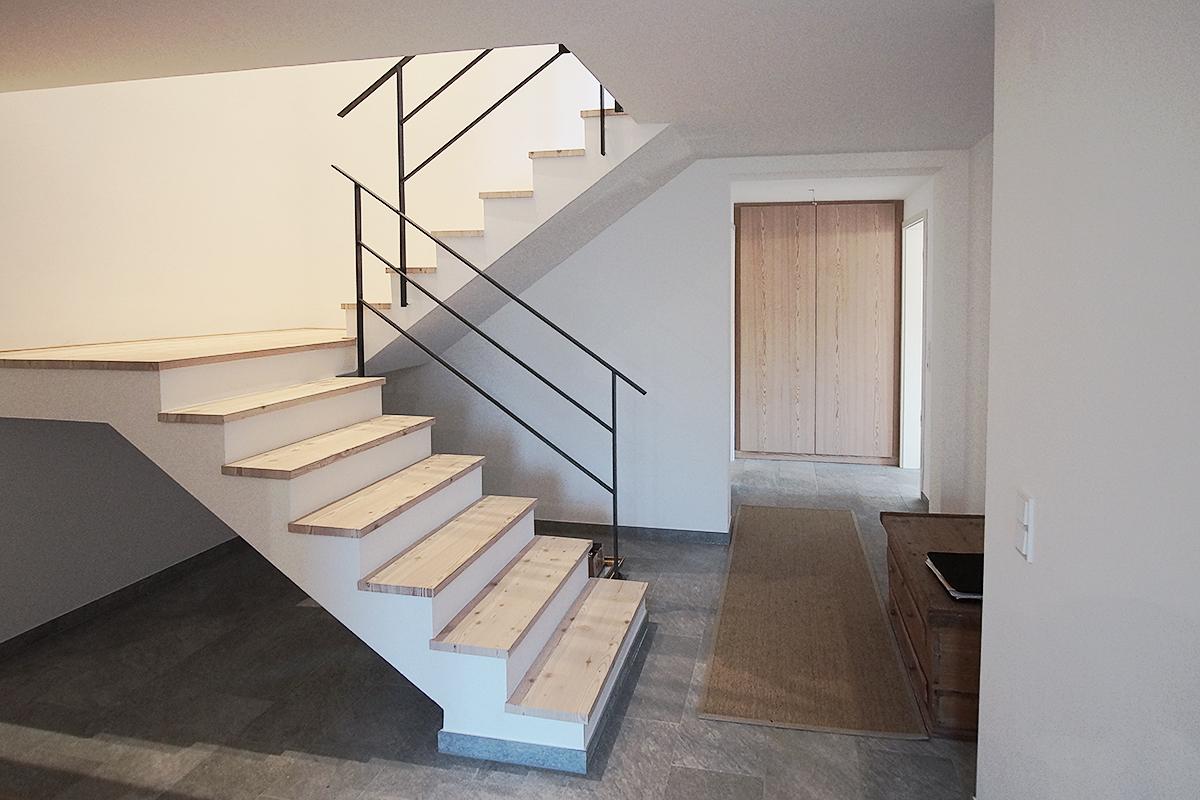 Sanierung Landhaus Schliersee Treppenaufgang